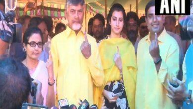 Photo of Andhra Pradesh: Naidu, son Lokesh cast vote in Magalagiri