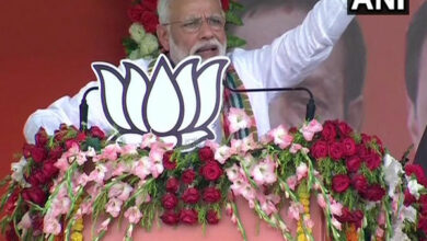 Photo of Cong grew with help of family, money but BJP on hard work: PM Modi