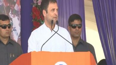 Photo of PM Modi steals money from people and put it in hands of his friends: Rahul Gandhi