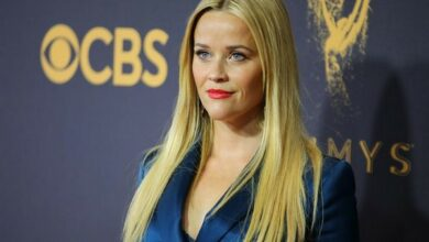 Photo of Reese Witherspoon embraces her grey hair and fine lines