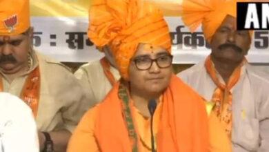 Photo of Pragya apologises for Gandhi-Godse remarks, adopts 'maun vrat'