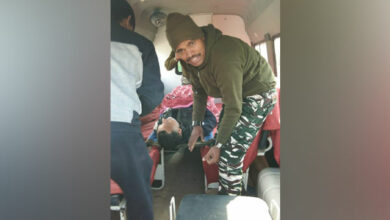 Photo of CRPF man saves poll officer's life by following instructions on phone