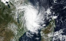 Cyclone heading for western India strengthens