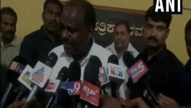 Photo of EC, IT dept harassing me and family: Kumaraswamy