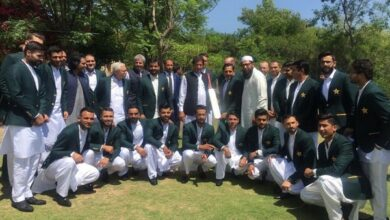 Photo of Pak PM shares past World Cup experiences with team