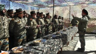 Photo of Lieutenant General Ranbir Singh visits Eastern Ladakh to take stock of security situation and operational preparedness
