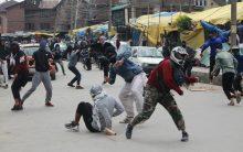 Srinagar: Clashes erupted in Jamia Masjid after Friday prayers