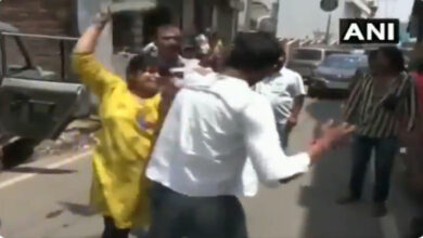 Photo of Furious woman thrashes man with 'slipper' for posing as ACB officer demanding money