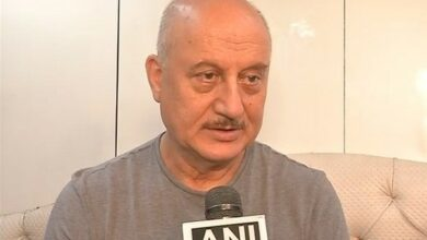 Photo of Anupam Kher is not part of remake of 'Coolie No. 1'