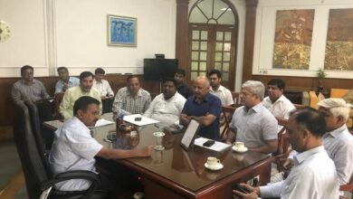 Photo of Delhi CM holds cabinet meeting to review development work