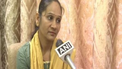 Photo of BSP MLA Ramabai claims she is offered ministerial post and money by BJP