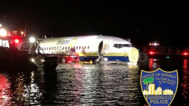 Photo of 21 injured as Boeing 737 skids into Florida river