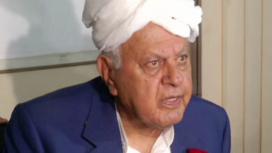 Photo of Farooq Abdullah misbehaved at temple; greeted with slogans of 'Modi Zindabad', 'Har Mahadev'