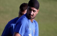 Harbhajan Singh becomes third Indian to take 150 wickets in IPL