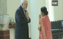 Iran FM holds talks with Sushma Swaraj amid tensions with US