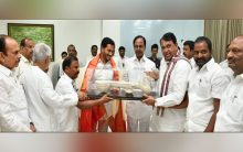 KCR extends hand of cooperation to Jagan Reddy, bats for friendly relations