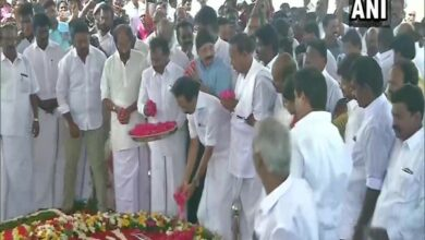 Photo of MK Stalin, DMK leaders pay tribute to M Karunanidhi