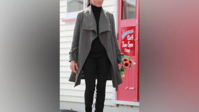 Photo of This fashion blogger recreates Meghan Markle's designer wardrobe for fraction of price