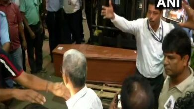 Photo of WB: Mortal remains of 2 mountaineers reach Kolkata
