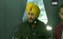 Defiant Sidhu calls on Rahul, Priyanka