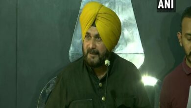 Photo of 'Defiant' Sidhu fails to assume new charge