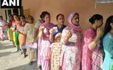 LS polls: 25.14 percent voter turnout till noon, WB leads tally