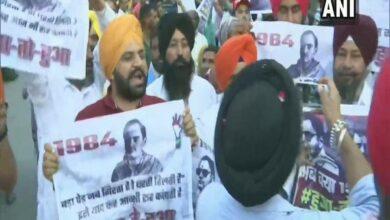 Photo of Priyanka shown 1984 anti-Sikh riots posters at Pathankot roadshow