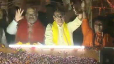Photo of Bhopal: Amit Shah holds road show in support of Sadhvi Pragya