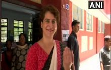 Sonia Gandhi, daughter Priyanka cast their votes in Delhi