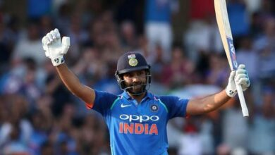 Photo of Rohit Sharma shares picture of 'loved ones' cheering for India