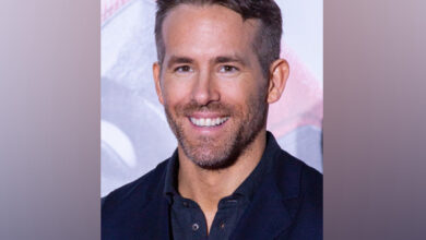 Photo of Ryan Reynolds reveals his younger daughter is 'into villains'