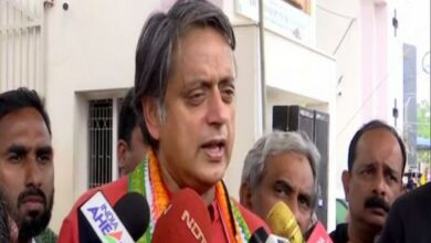 Photo of Tharoor hails fellow MP's move to accept only books