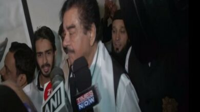 Photo of Shatrughan Sinha questions Centre over AES epidemic in Bihar
