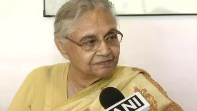 Photo of Sheila Dikshit tears into Kejriwal for spreading rumours about her health