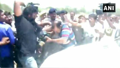 Photo of Media person roughed-up by Tej Pratap's guards, Yadav calls it 'murder conspiracy'!