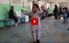 Afghanistan: 4-year-old amputee Rahman begins dancing after he receives artificial leg