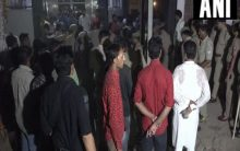 Agra: Girl hacked to death by neighbour, accused absconding