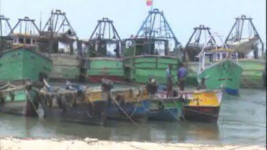 Photo of Tamil Nadu: Fishermen utilize 61-days fishing ban period to repair boat, nets
