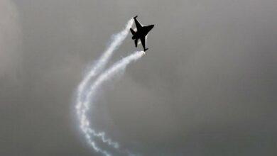 Photo of USA: F16 crashes into warehouse at California military base