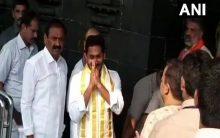 Jagan offers prayers at Lord Venkateswara temple in Tirumala