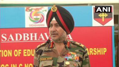Photo of Kashmiri youth picking up arms 'matter of concern': Lt Gen Ranbir Singh
