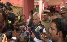CEC Sunil Arora, EC Sushil Chandra cast votes in Delhi