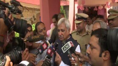Photo of CEC Sunil Arora, EC Sushil Chandra cast votes in Delhi