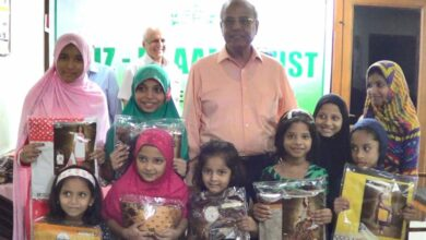 Photo of Faiz-e-Aam Trust distributes dresses, ration kits among 600 needy families