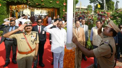 Photo of KCR unfurls Tricolour at Public Garden on TS Formation day