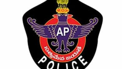 Photo of Police serve notice to TDP Visakhapatnam (East) MLA Velagapudi for violating MCC