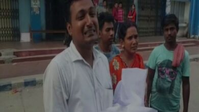 Photo of Newborn dies due to lack of treatment amid doctors' protest