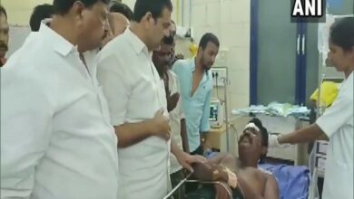 Photo of Andhra: 1 dead, 4 injured in clashes between TDP, YSRCP workers