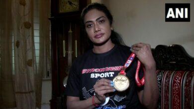 Photo of Asian powerlifting champion Arthi Arun awaits sponsor