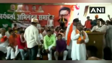 Photo of Hit officials with shoes if they don't respect you: BJP MLA tells party workers